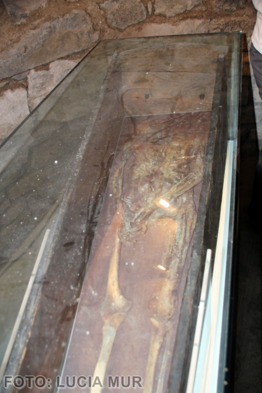 la momia en la iglesia (Copiar)